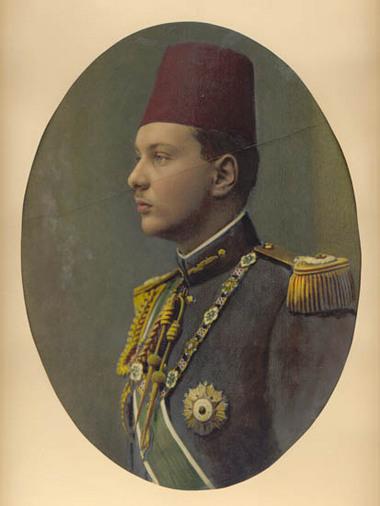 صور نادرة لحكام مصر من king_farouk_1.jpg